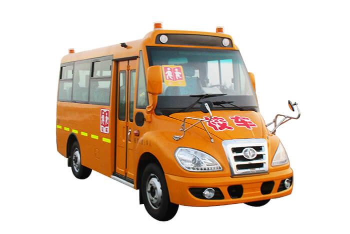 华新牌HM6700xFD5JN型幼儿专用校车 30-38幼儿专用校车