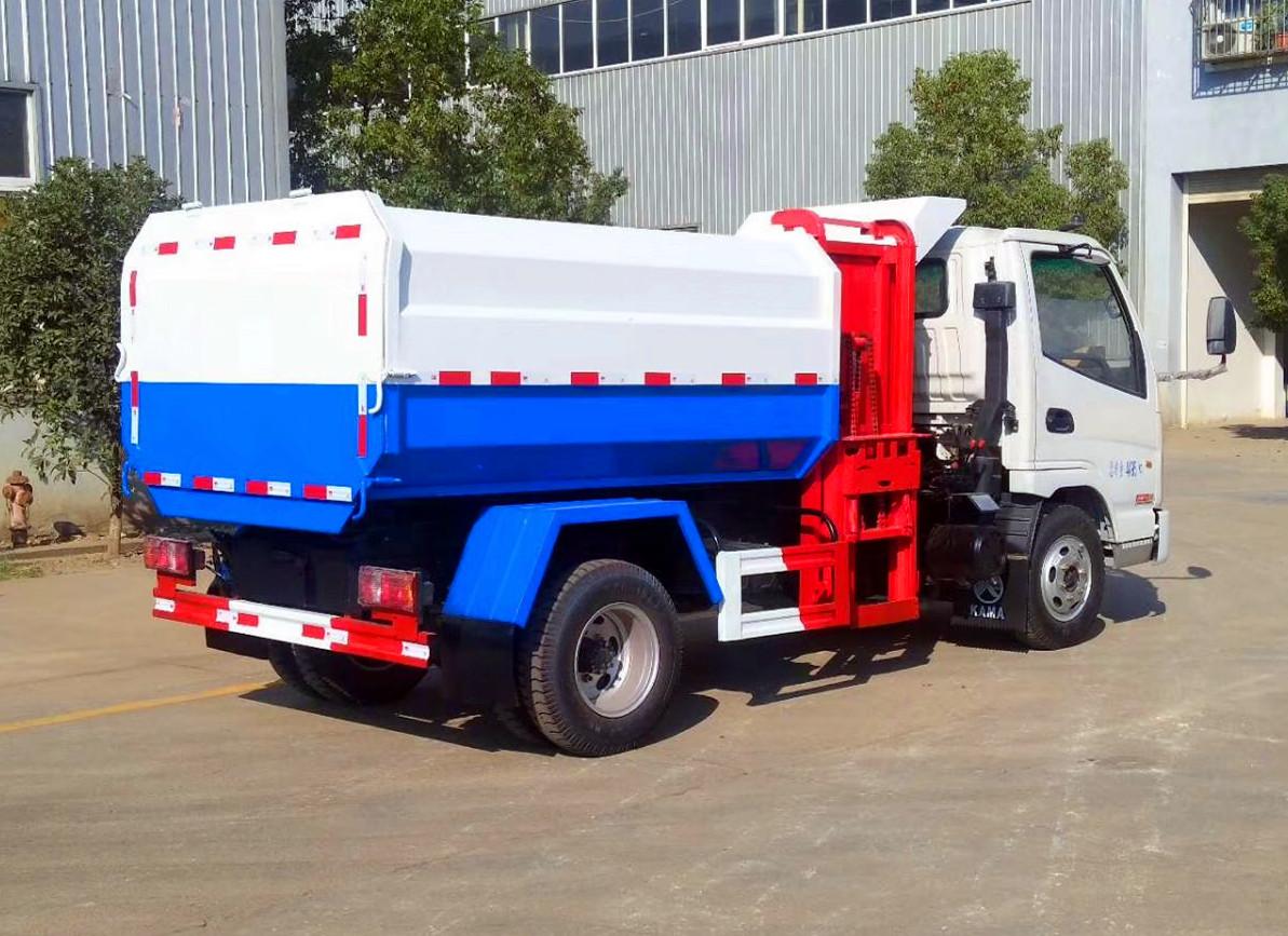 4方凱馬掛桶垃圾車 柴油版圖片
