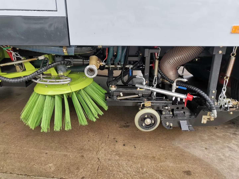 扫路车能扫泥巴路面吗?视频告诉你