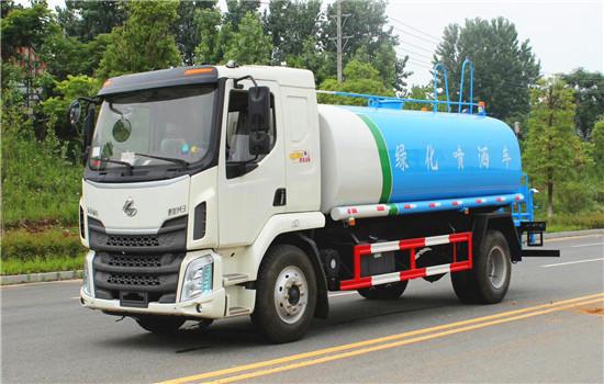 东风柳汽15吨洒水车图片