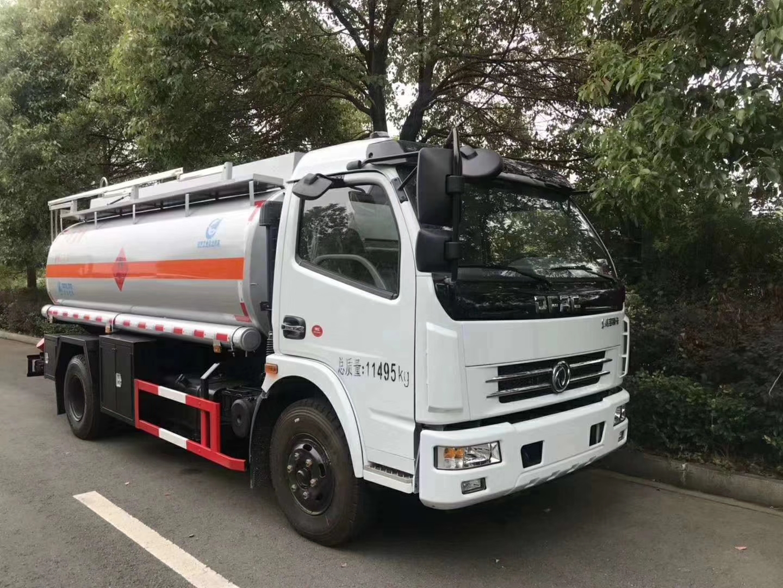 東風8噸油罐車  質量保證 奧龍油罐車 薄利多銷 包上戶
