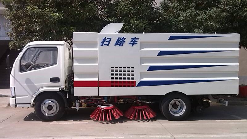 東風小多利卡掃路車4噸掃路車圖片