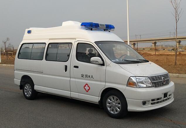 國六金杯新快運救護車