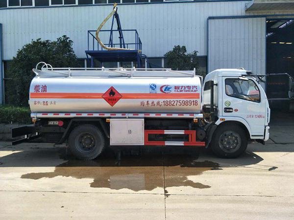 8噸加油車