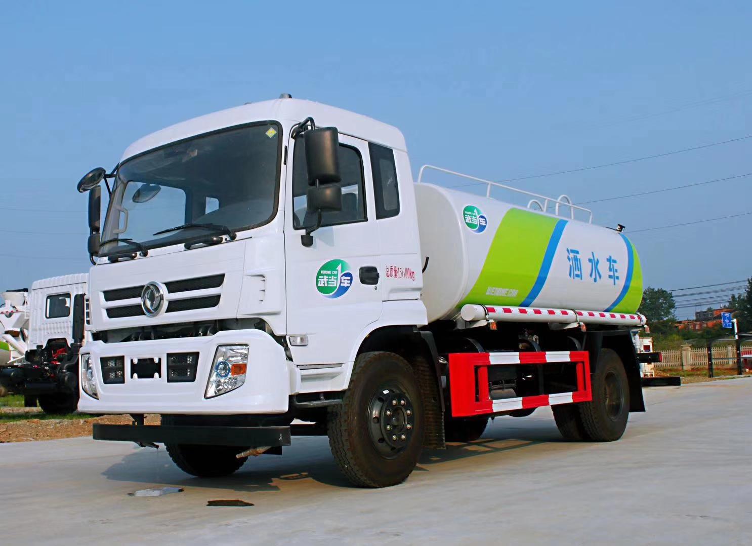 東風專底新款12噸灑水車圖片