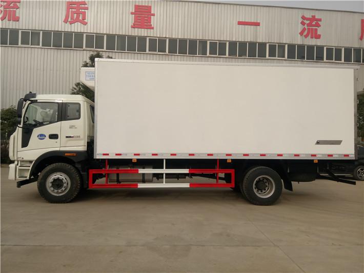 福田瑞沃6.72米冷藏车图片