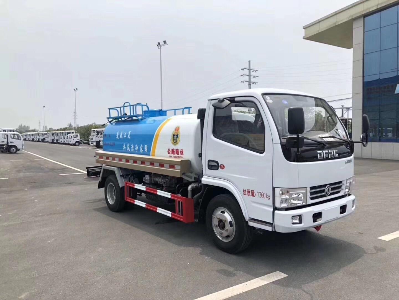 5吨东风小多利卡洒水车厂家供应