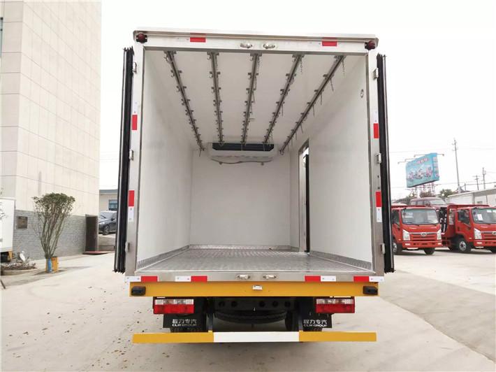 东风多利卡5.2米冷藏车(国5)图片