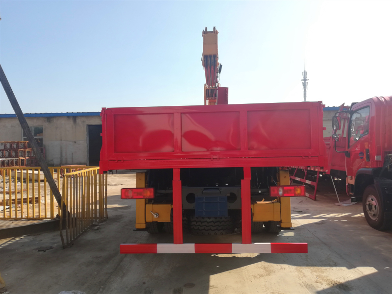 石煤10吨随车吊,新款东风D3S随车吊