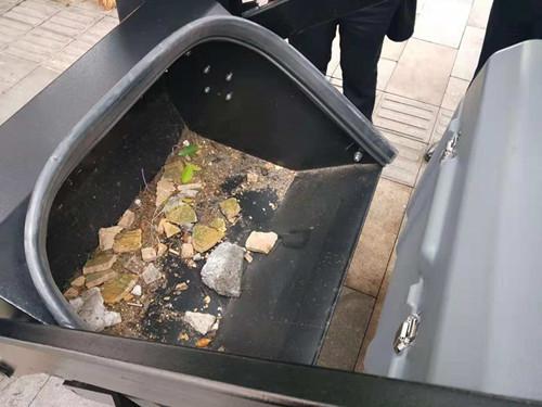 重庆金和驾驶室扫地车轻松搞定石头视频