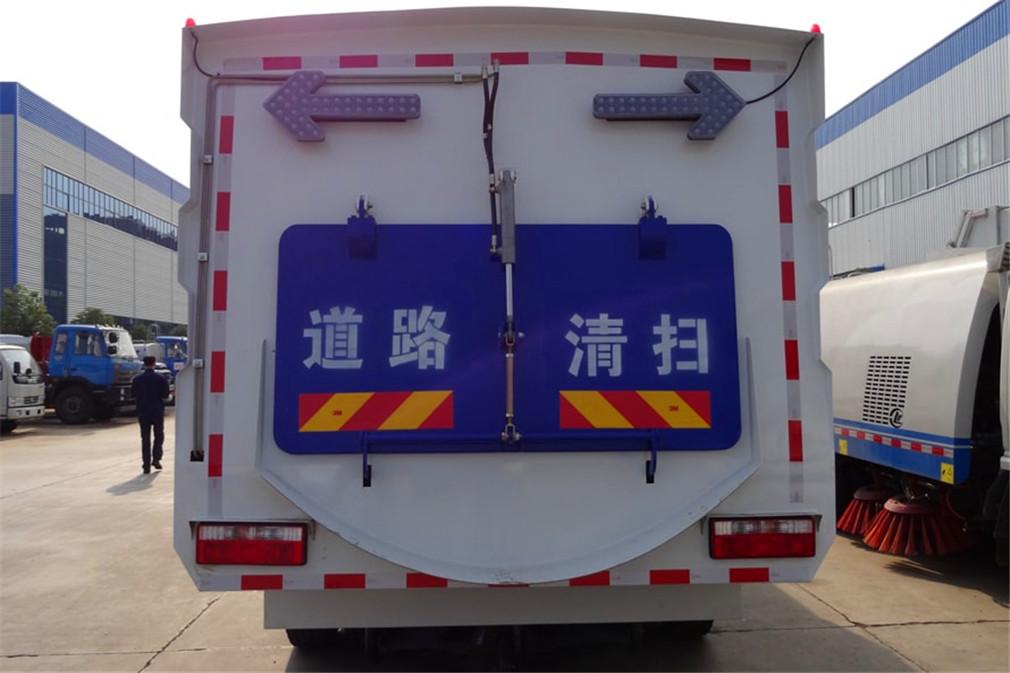 东风D9扫路车