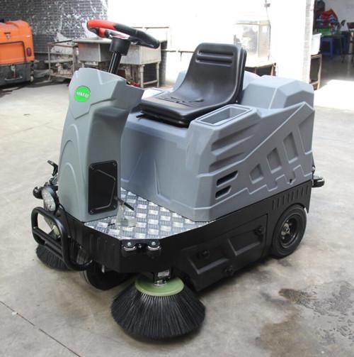重庆金和大功率驾驶室扫地车OS-V1视频