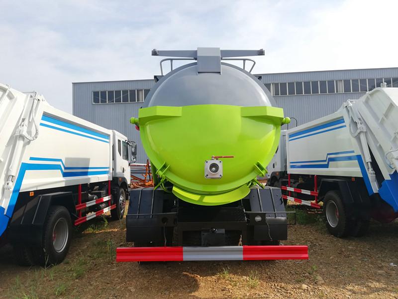 10吨到4吨餐厨垃圾车,D9多利卡蓝牌餐厨垃圾车
