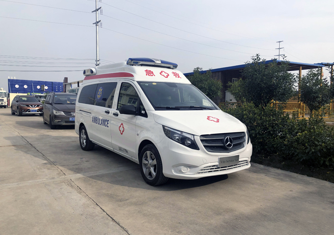 奔馳威霆救護車 (3)