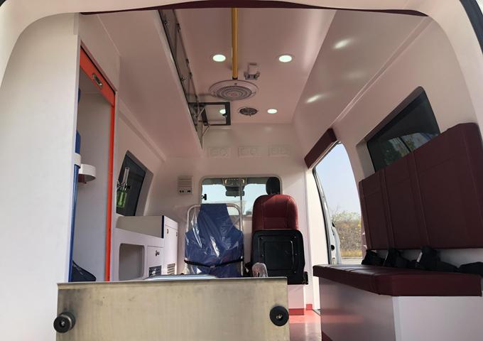 國六奔馳Vito(新威霆)高頂監護型救護車圖片