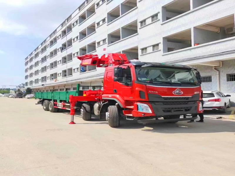 国六东风柳汽25吨随车吊,前四后八随车起重运输车