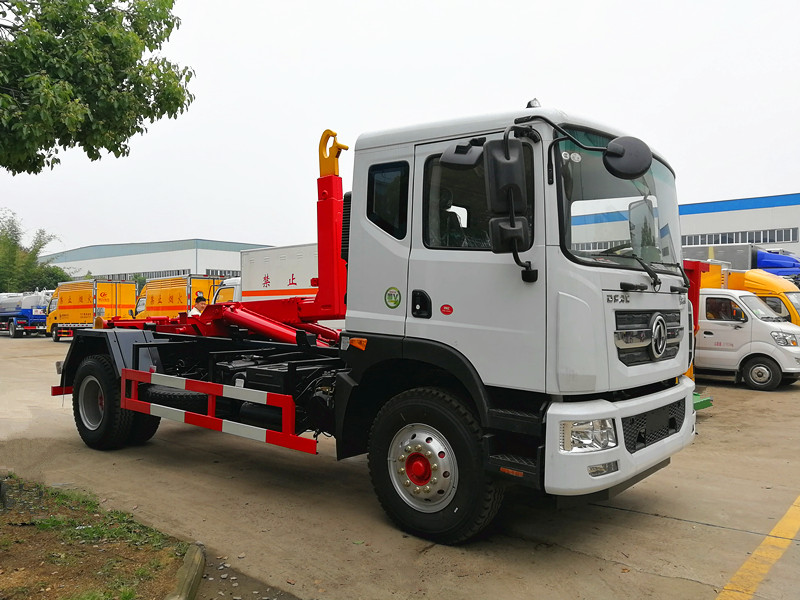 东风D9(12方)车厢可卸式垃圾车