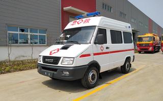 依维柯A35救护车图片