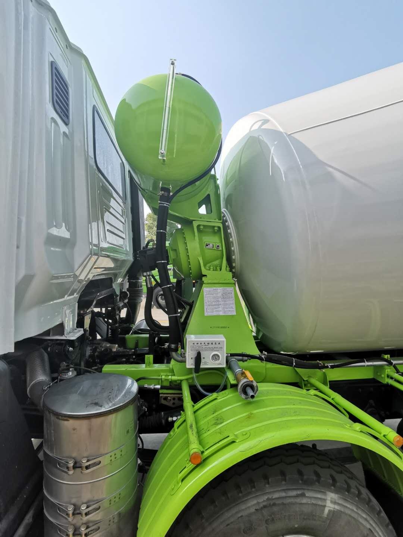 水泥攪拌車的液壓油如何更換及保養?