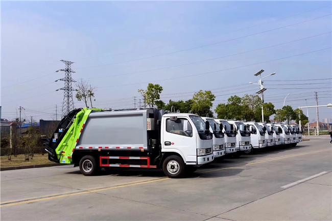 东风垃圾车程力垃圾车配置