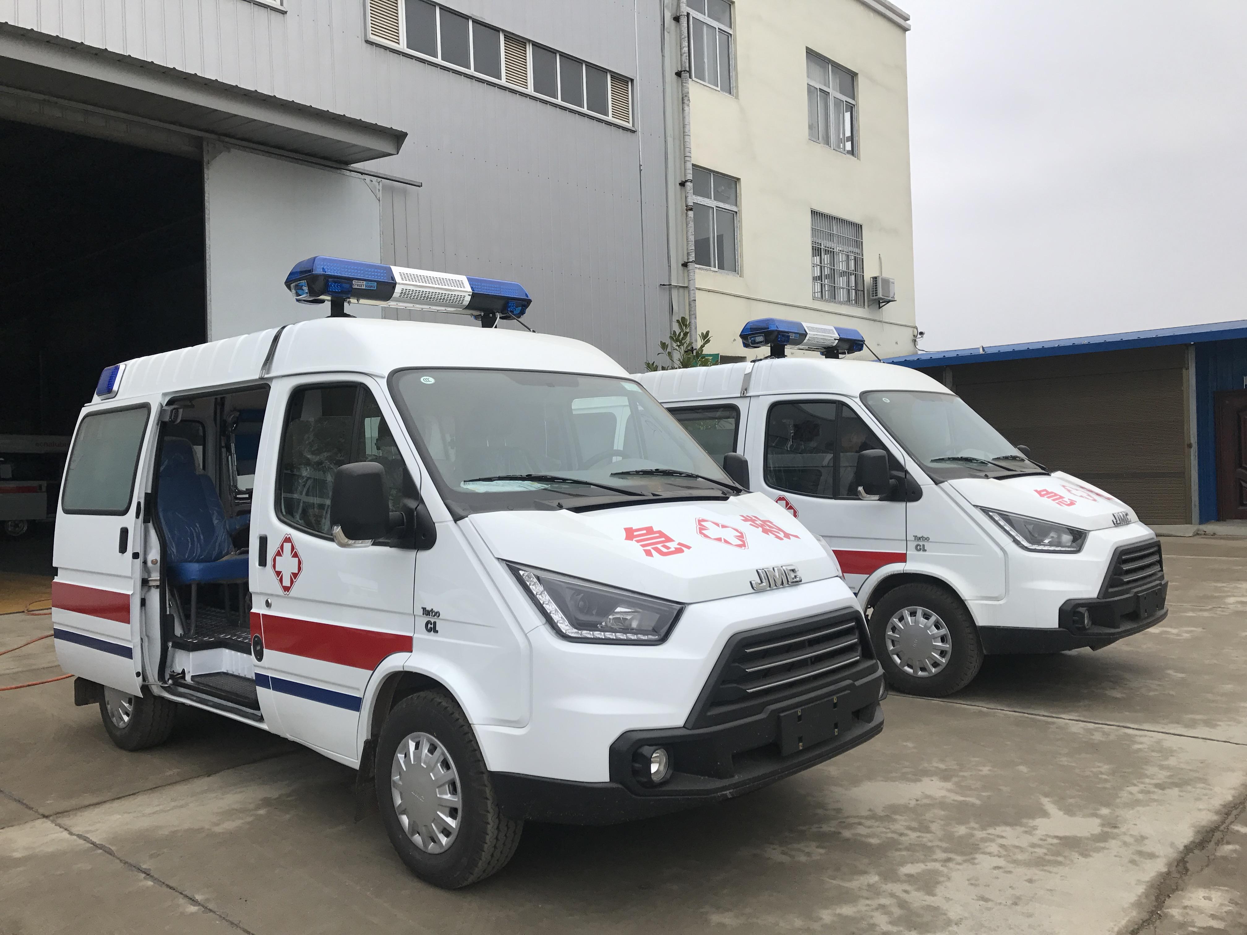 国六江铃特顺救护车