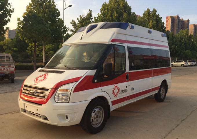 国六福特全顺V348救护车(长轴高顶))