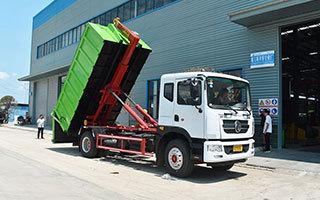 建筑垃圾对接垃圾车展示图图片