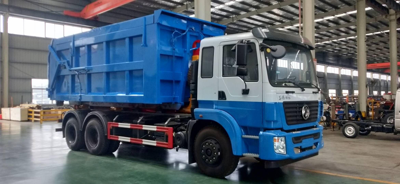 东风后八轮勾臂垃圾车厂家直销价格优惠