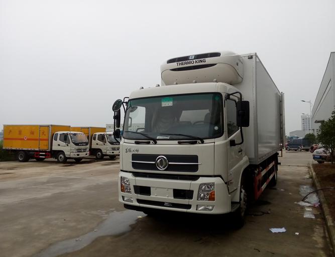 东风天锦7.6米冷藏车厂家大量现货供应图片