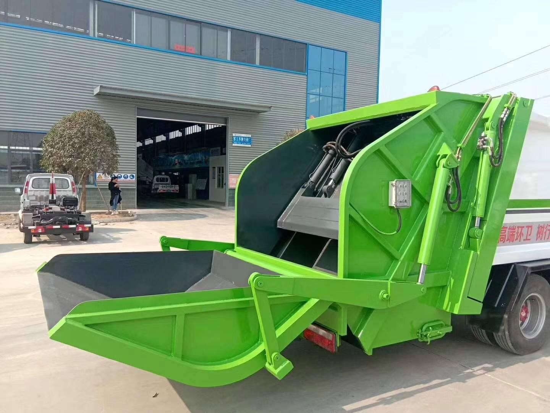 东风多利卡D7压缩式垃圾车