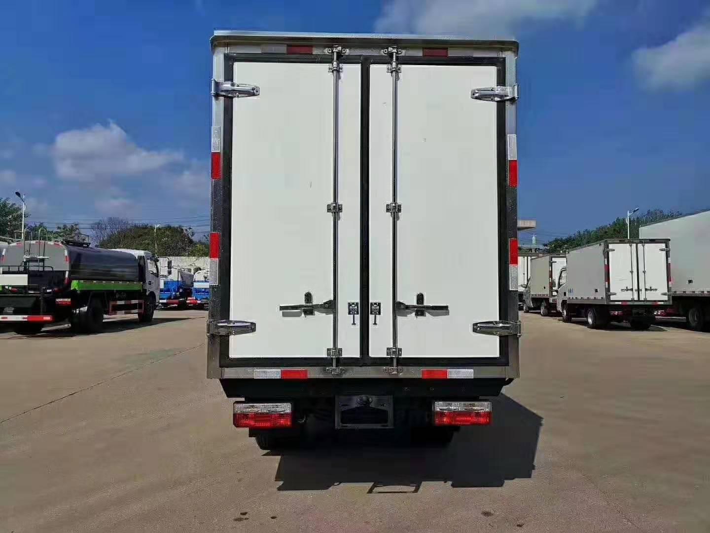 国六东风逸途3.5米汽油冷藏车图片
