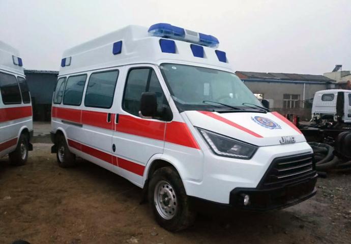 江铃特顺长轴救护车 (11)