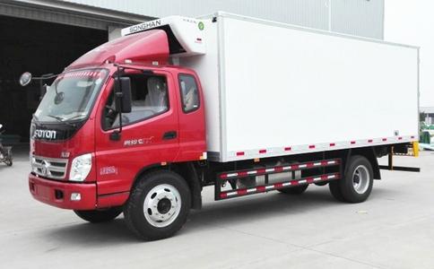 福田奥铃一排半5.1米冷藏车 5.1米海鲜冷藏车 猪肉运输车视频