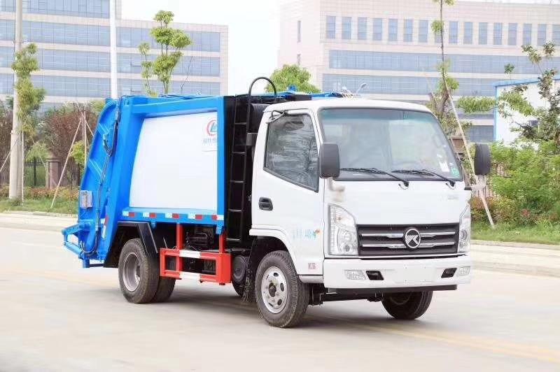 不超重的凱馬藍牌4方壓縮垃圾車圖片