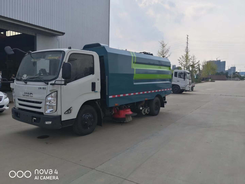 国六江铃5吨吸尘车图片