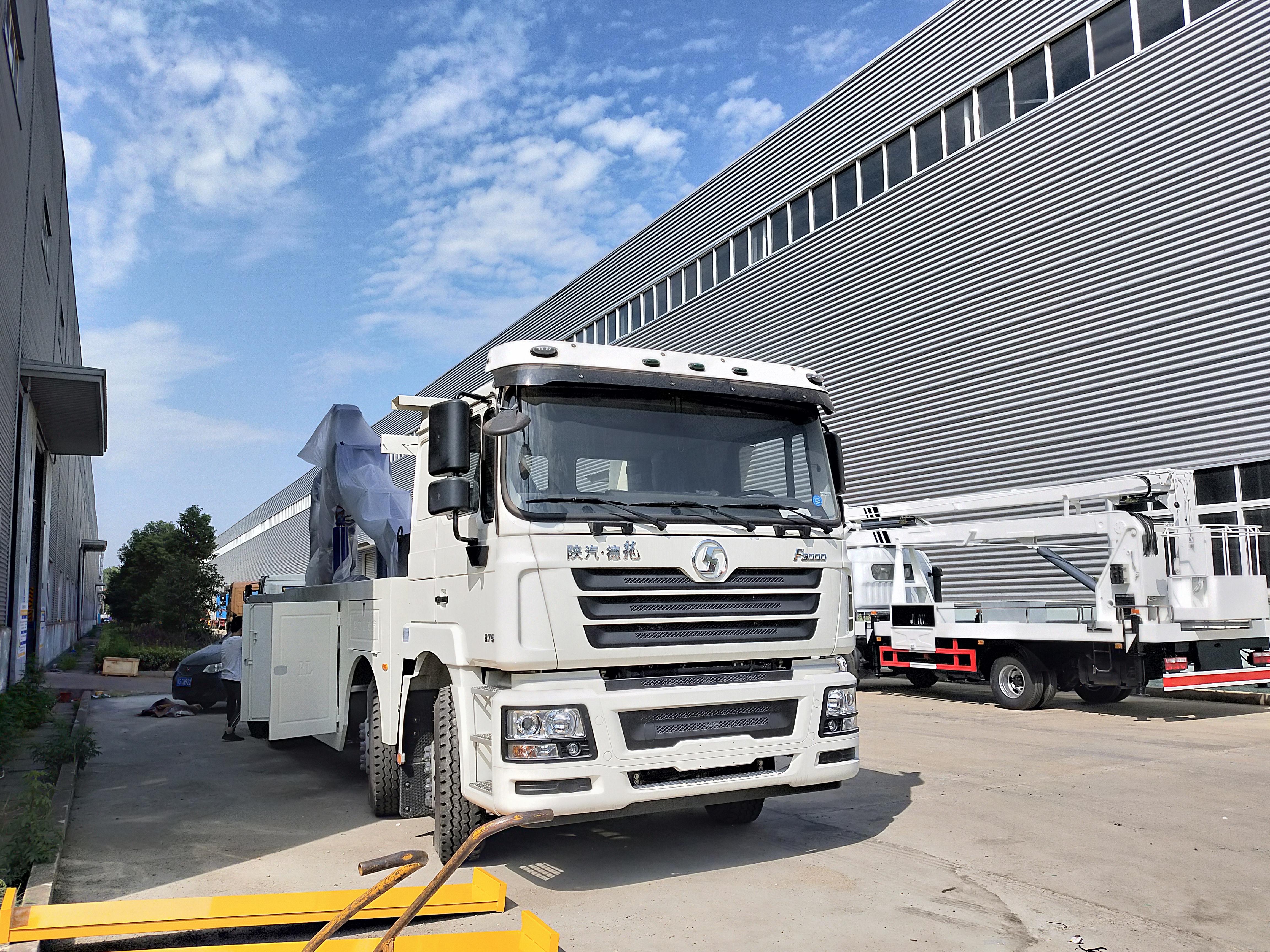 25吨~30吨陕汽德龙前四后八重型救援拖车375马力图片
