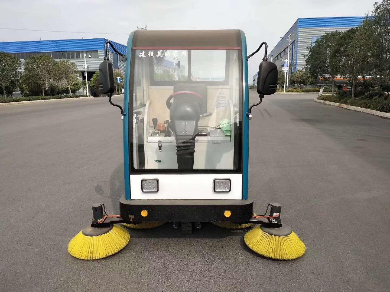 電動小型掃路車最新配置圖片