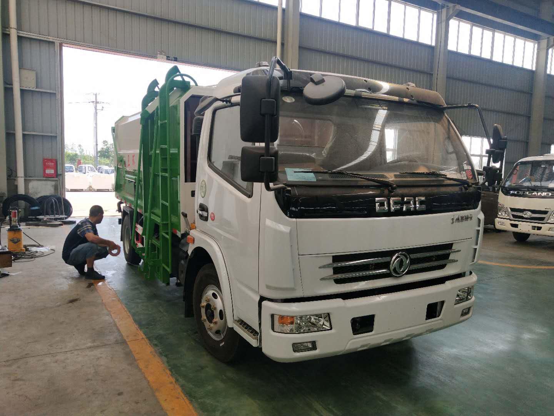 东风大多利卡8方侧装压缩式垃圾车价格图片