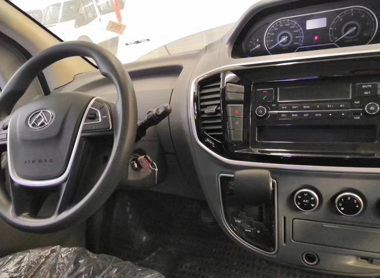 上汽V80体检医疗车 (9)