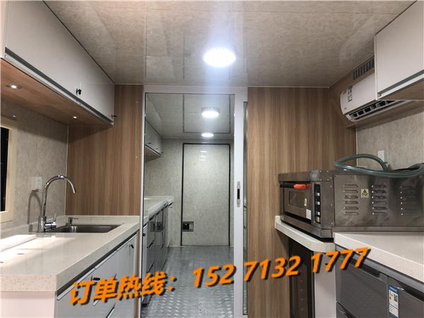 重汽豪沃大型餐饮车销售15271321777 (4)