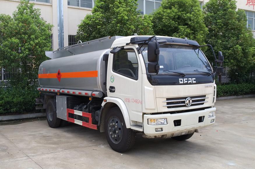 东风多利卡6吨8吨加油车油罐车图片
