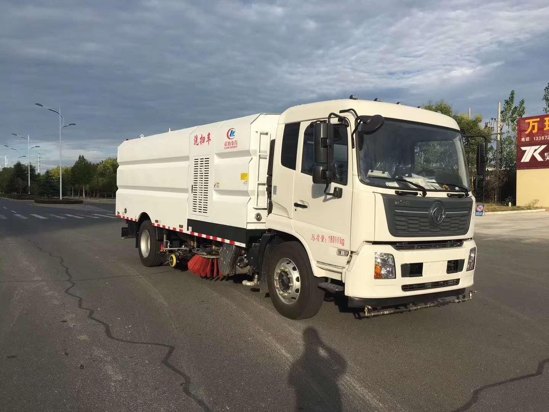 程力牌东风天锦18吨洗扫车下线,国六排放标准图片