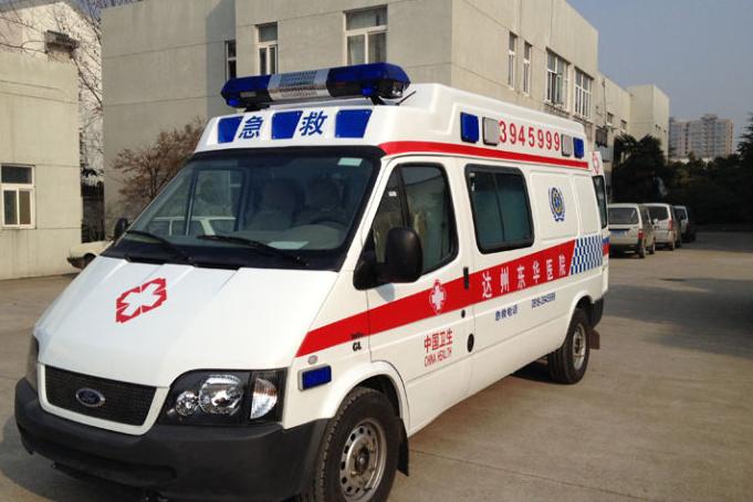 福特V348长轴高顶救护车