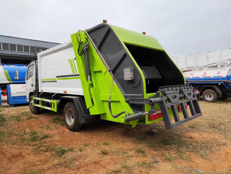 東風多利卡D7系列8方壓縮式垃圾車,搭載朝柴156馬力發動機,萬里揚六檔變速箱,3800軸距。標配掛桶翻轉機構,加裝氣控后蓋。可選裝遙控器操作。請給我一個億。@國家扶貧辦視頻