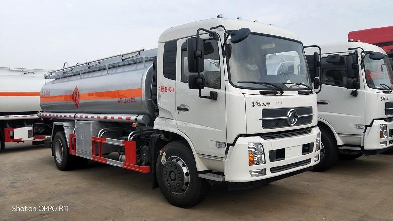 東風天錦10噸12噸加油車價格 運油車廠家直銷