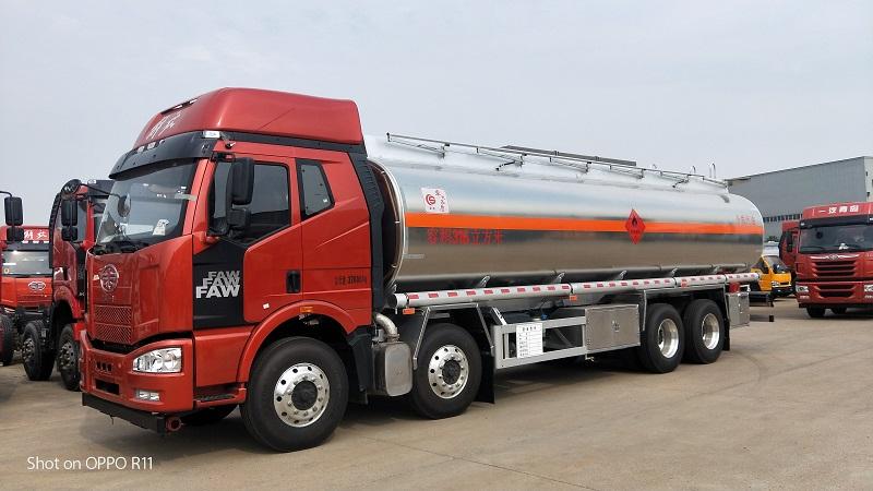 廠家出售 解放J6前四后八鋁合金油罐車 包上戶可分期