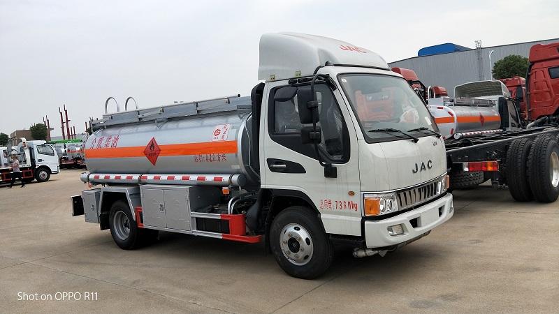 江淮駿鈴4.2方柴油介質油罐車配置  廠家薄利促銷