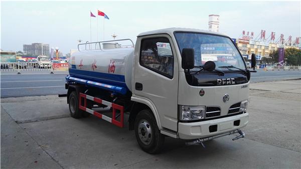 东风福瑞卡5吨洒水车(不上牌)4