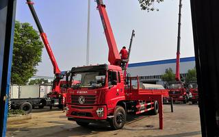 東風暢行12噸隨車吊價格_湖北程力圖片