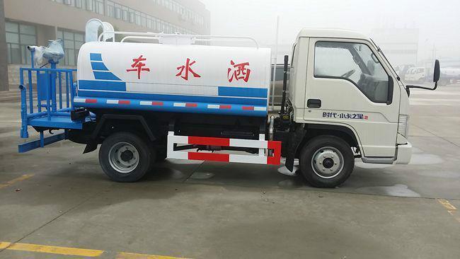 国五福田3吨洒水车图片